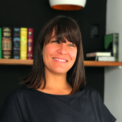 Fefa Romano é sócia-fundadora da Malagueta, consultoria de estratégia e inovação e incubadora de projetos com escritórios nos Estados Unidos e Brasil. É co-fundadora do Coletivo WeLove, plataforma de conteúdo original lançada na segunda metade de 2015. É membro do Creative Social, conselheira do Instituto Aliança Futuro da Criança e só toma café de filtro. Com leite.